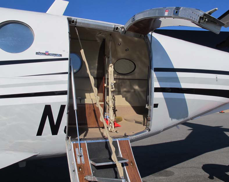 King Air 200 (Blackhawk) w/Cargo Door & King Air 200 (Blackhawk) w/Cargo Door - Venture Aviation